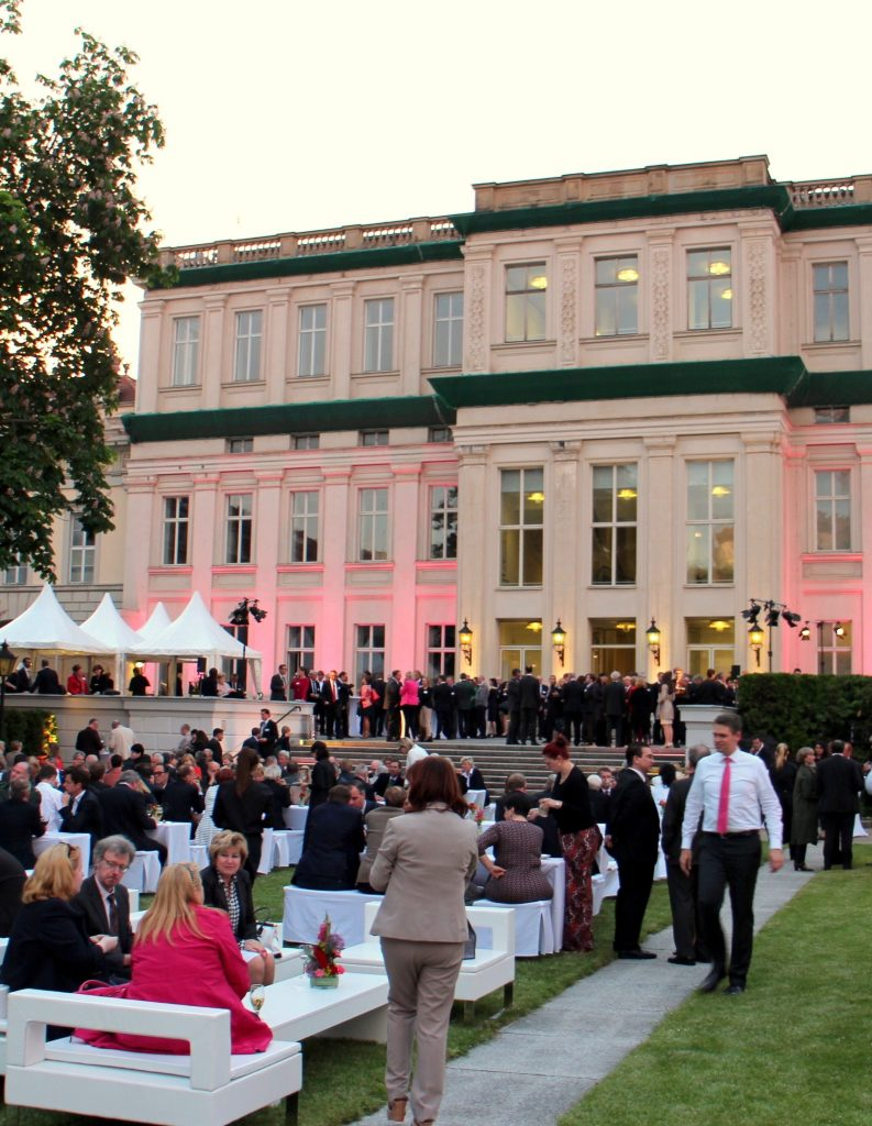 Dinnermusik Gala Kongress Sängerin Berlin FirmenfeierSängerin Berlin Firmenfeier