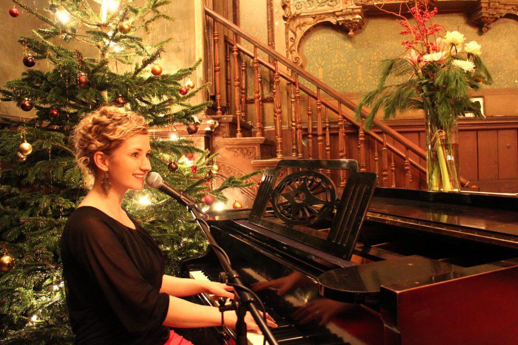 Sängerin Berlin Weihnachtsfeier