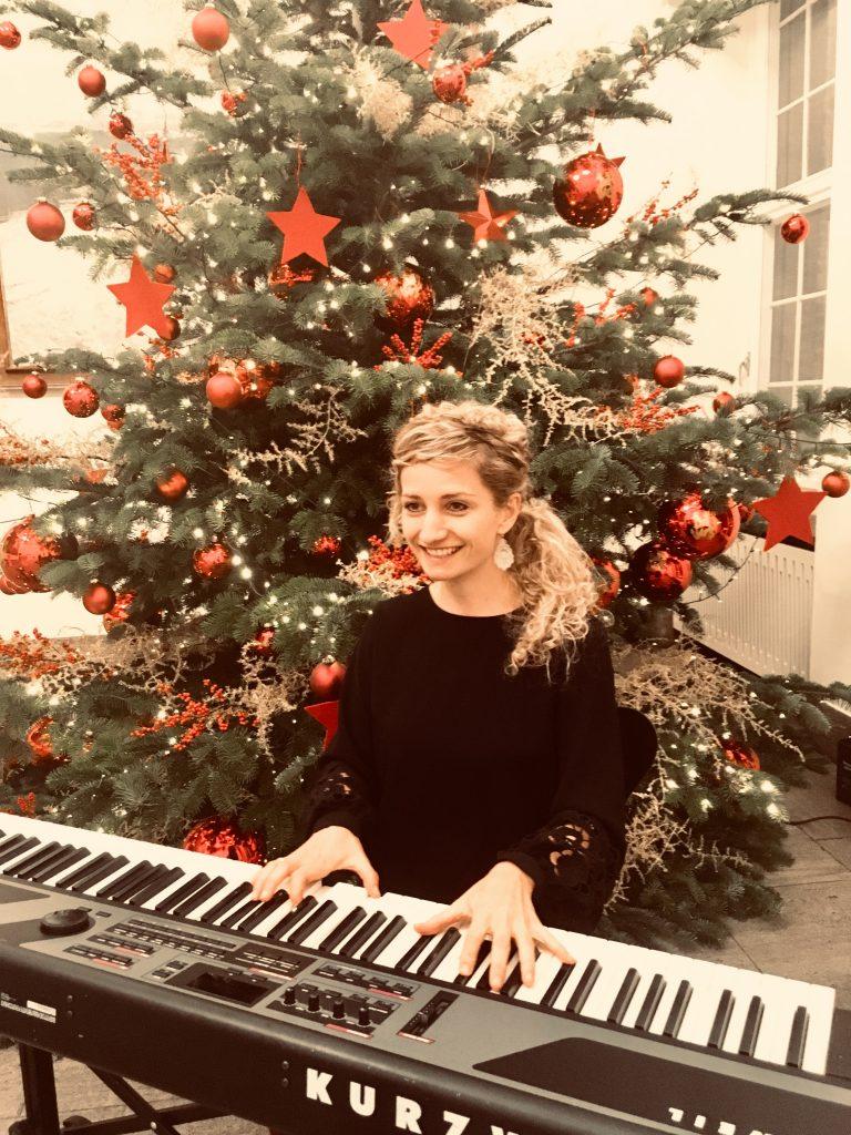 Sängerin,Berlin, Freie Trauung, Hochzeit, Firmenfeier, Weihnachtsfeier, Weihnachtsmarkt, Trauung, Event, Hintergrundmusik