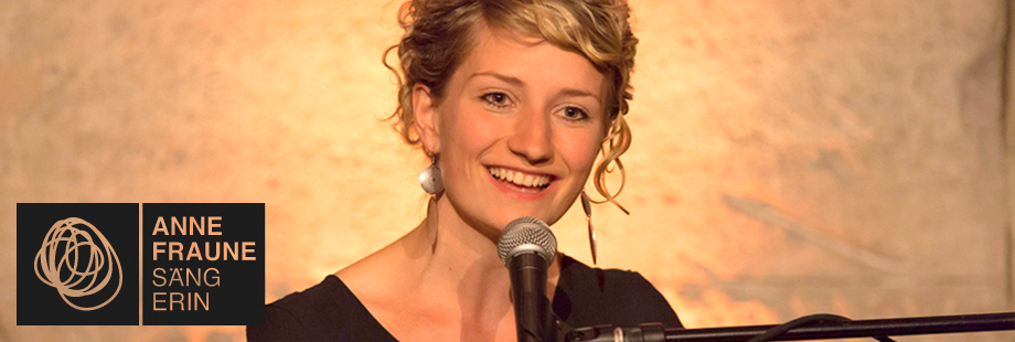 Sängerin Berlin Firmenfeier Weihnachtsfeier Gala Kongress Dinnermusik Hintergrundmusik
