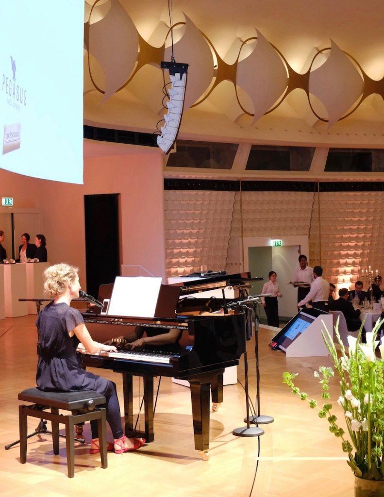 Firmenfeier Event Sängerin