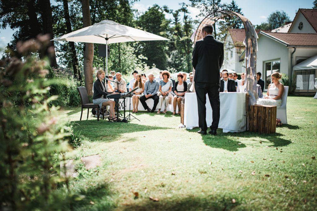 Sängerin Berlin Anne Fraune Trauung Hochzeit Firmenfeier