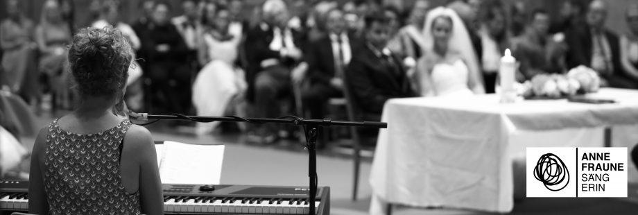 Freie Trauung Rednerin Sängerin Berlin Anne Fraune